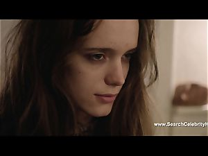 sensual Stacy Martin blows rod and is gobbled