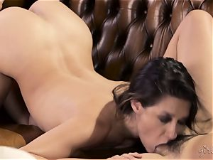 Shyla Jennings and Penny Pax girly-girl threeway
