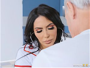 Lela starlet getting romped in the doctors