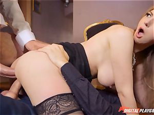 wild babe Stella Cox takes 2 rods deep in her crevasses