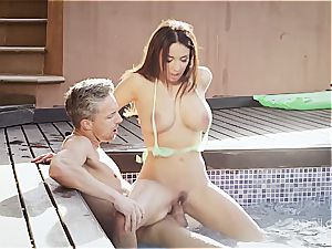 buxom wonder stunner Anissa rails a beef whistle by the pool