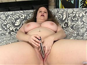 plumper Uses hump toys on Her edible puss