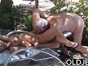 girlfriend caught pounded elder man she deepthroats manstick
