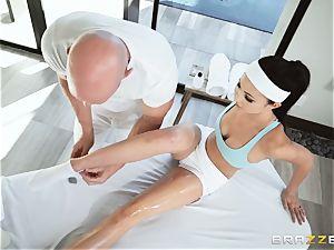 Oily slippery deep muff massage with Ariana Marie