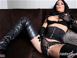 super-hot brunette stunner Jessica Jaymes messing with her vulva