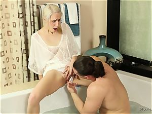 Side wedging saucy blond Cadence Lux at the nuru massage place