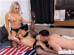 Alexis Monroe and Aidra Fox eager for the penis of Seth Gamble