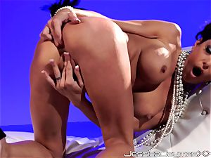 Jessica Jaymes solo getting off steaming scene