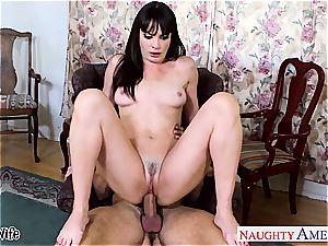 brown-haired wife Dana DeArmond take pecker