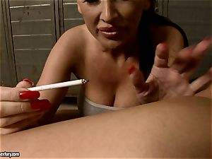 Mandy Bright spurt a melted candle to torrid babe's ass