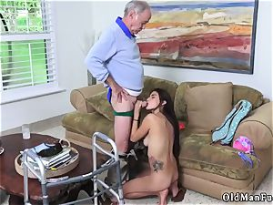 older guy cock-squeezing Poping Pils!