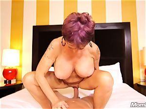 huge-boobed Russian GILF splatters all over pipe