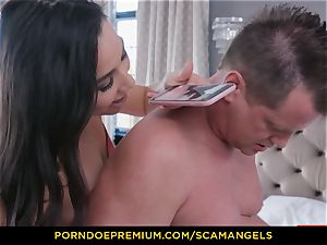 SCAM ANGELS - Melissa Moore and super-hot mates in 4 way