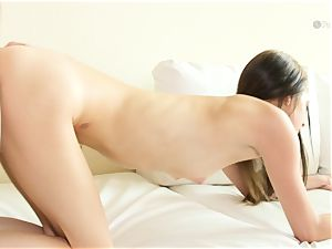 insatiable honey Lola Hunter humped deep in her sumptuous tastey slick coochie