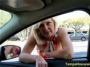 Parking bunch oral job with Ms Paris Rose