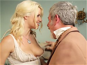 steamy hooker Anikka Albrite pounds her favourite insatiable west client