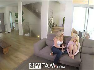 SpyFam Step mom Brandi enjoy gives Elsa Jean romp advice