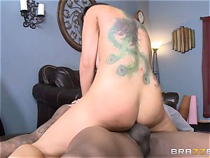 Romi Rain bangs her hot black trainer in front of her dude