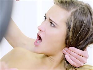 RELAXXXED - torrid workout fuck-fest at the gym with Czech stunner
