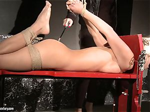 Mandy Bright bind a towheaded babe's hands and legs