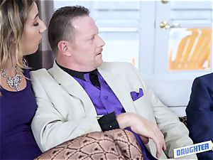 daughter-in-law interchanging bang with Samantha Hayes