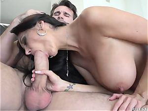 big-boobed porn starlet Ava Addams with a perfect body gets her arse intercourse deep drilling