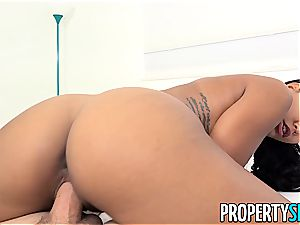 Harley Dean knows how to sell houses