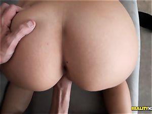 ultra-cute towheaded Lucy Tyler blows a load rock-hard