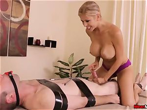 Alexis Fawx gives torrid happy completing