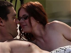 timid waitress Penny Pax nails her fantasy client