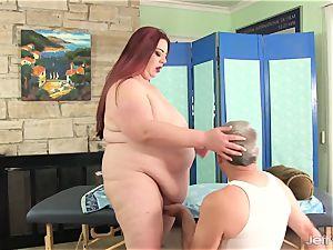 gigantic jugged bbw Miss Ladycakes gets a sex rubdown