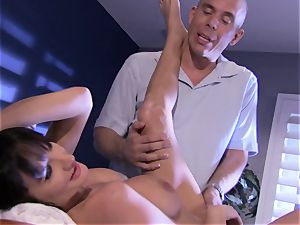 babe Alektra Blue crams her throat with her lover's ample chisel until she chokes