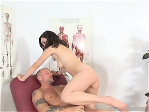 Jade Nile Has Her hubby inhale fuck-stick and observe Her