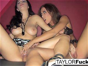 Capri And Taylor sensual smash