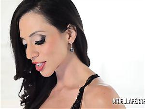 hefty funbag Ariella Ferrera cracks Out The