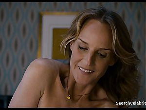 Heavenly Helen Hunt has a clean-shaven cunt for viewing