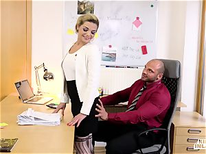 insatiable INLAWS - FFM 3 way with Czech stepdaughter