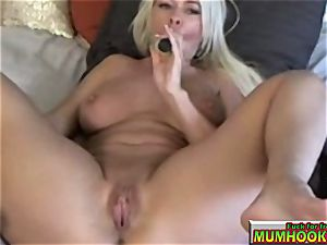 red-hot and steamy mommy mastrubate so supreme